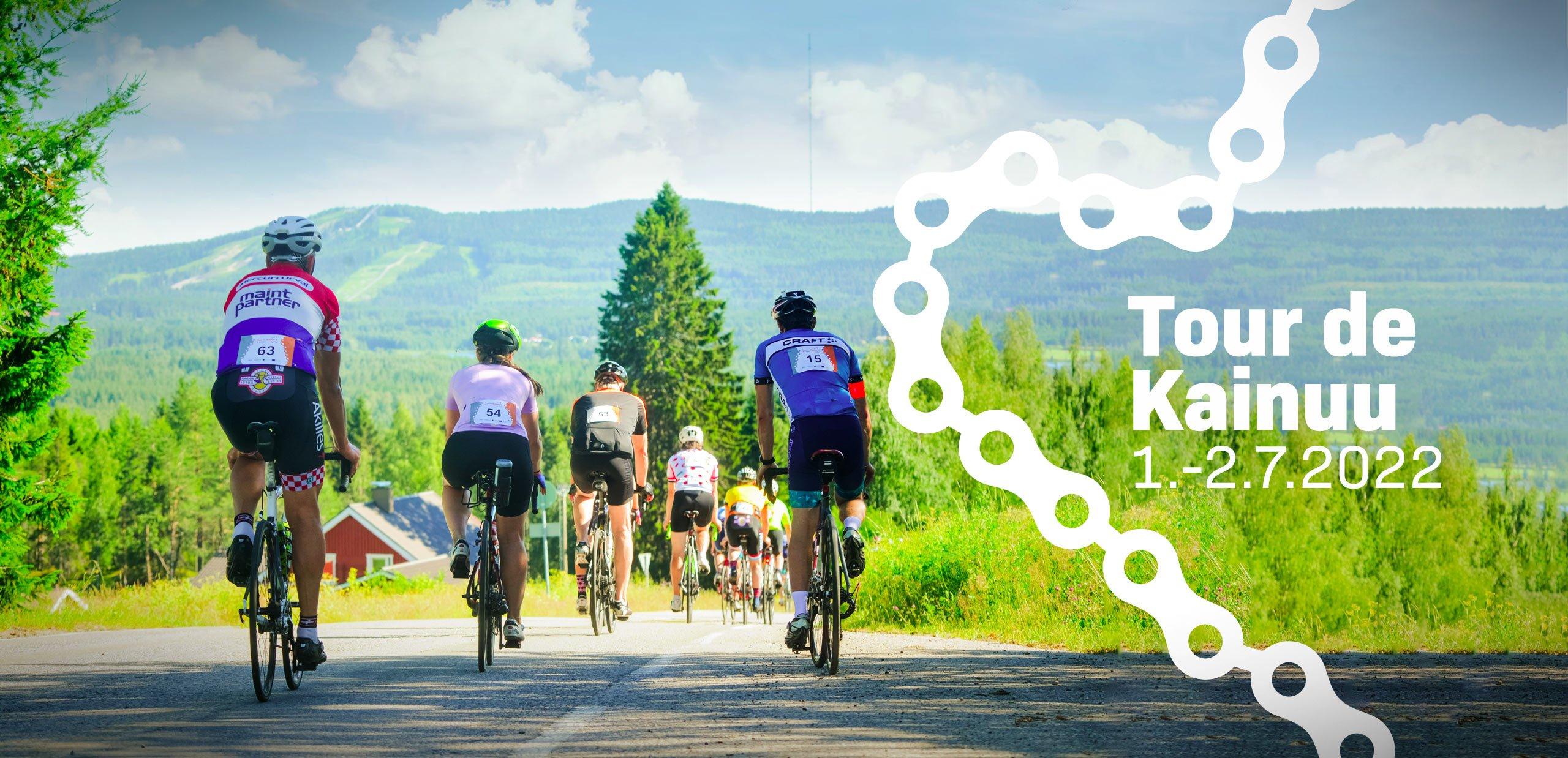 Maantiepyöräilijät pyöräilemässä vaaranpäällä